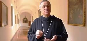 """""""La Quaresima è un tempo nel quale poterci concentrare sull'essenziale attraverso il digiuno, la preghiera e la carità""""."""